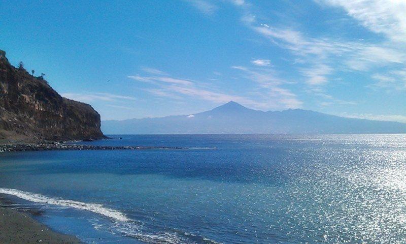 Blick von La Gomera auf den Teide