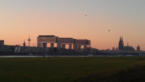 Der neu gestaltete Rheinauhafen in Köln