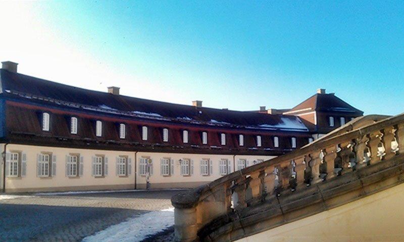 Schloss Solitude bei Stuttgart Seitenansischt Richtung Akademiehaus