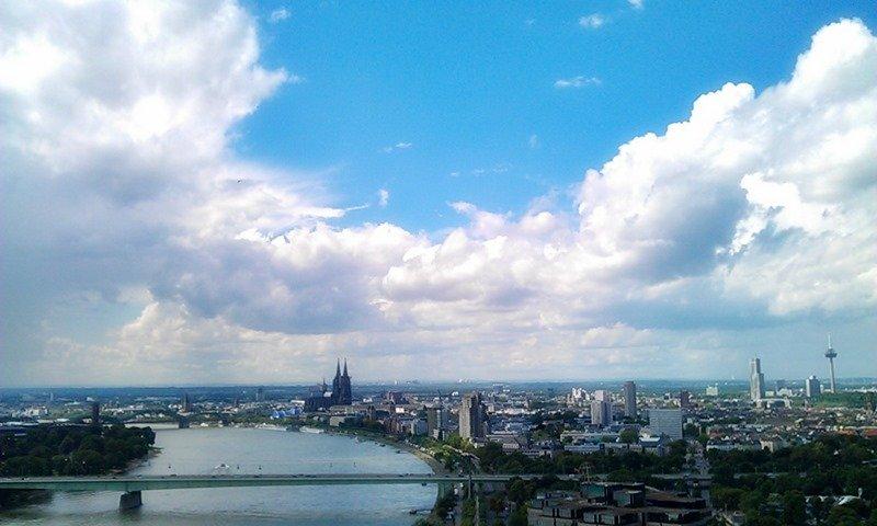 Köln vom Axa Hochhaus aus fotografiert