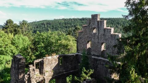 Die Burgruine Zavelstein: ein historisches Juwel