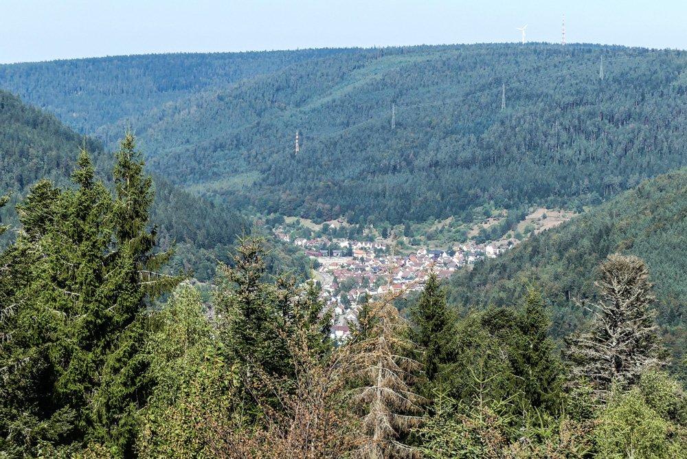 Bad Wildbad im Schwarzwald: Fernblick vom Sommerberg aus