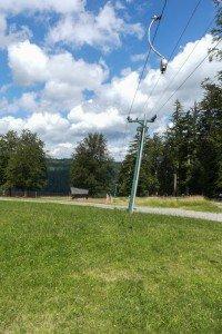 Bad Wildberg im Schwarzwald: der Skilift auf dem Sommerberg neben der Skihütte