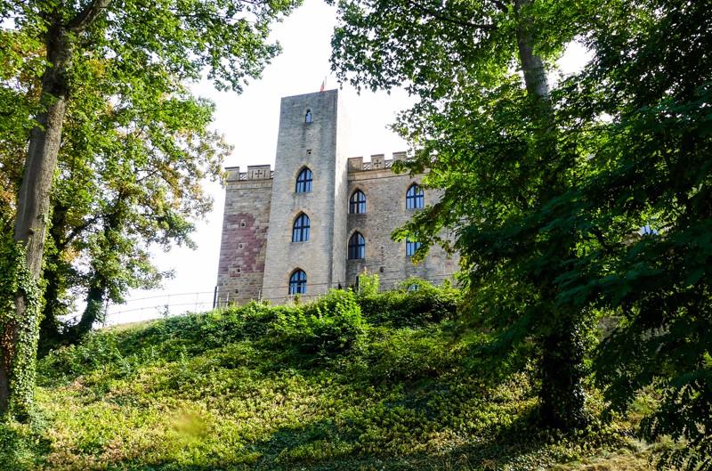 Das Hambacher Schloss: Europäisches Kulturerbe in der Pfalz