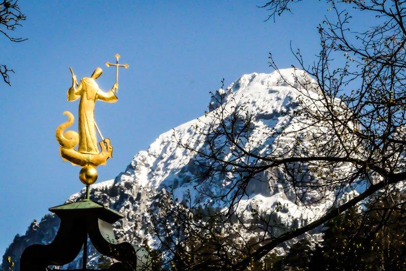 Allgäu rund um Füssen - Blick über das Kloster St. Mang Richtung Bergwelt