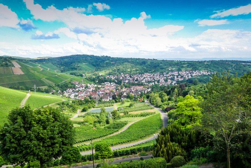Weinwanderweg in Stuttgart - Blick auf Uhlbach von Rotenberg aus