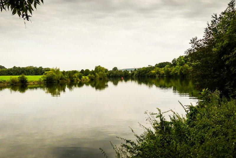 Wanderwege - von Remseck am Neckar bis Ludwigsburg - der Neckar im ruhigen Fluss