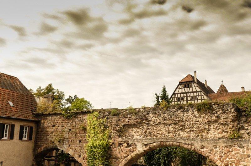 Wissembourg-Frankfreich-Elsass-alte-Stadtmauer