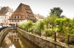 Wissembourg in Frankreich im Elsass - das Salzhaus Maison du Sel mit Blick über die Lauter