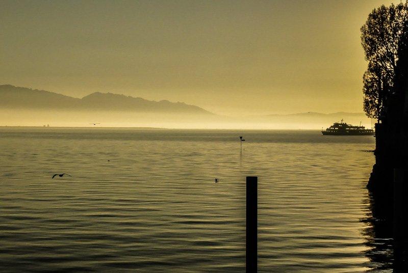 Sonnenuntergang am Hafen Lindau am Bodensee - Sundowner mit Schiff