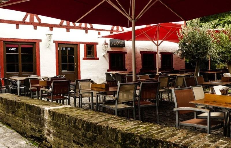 Die-Kulisse-Ulm-Cafe-und-Pub-der-schöne-Außenbereich
