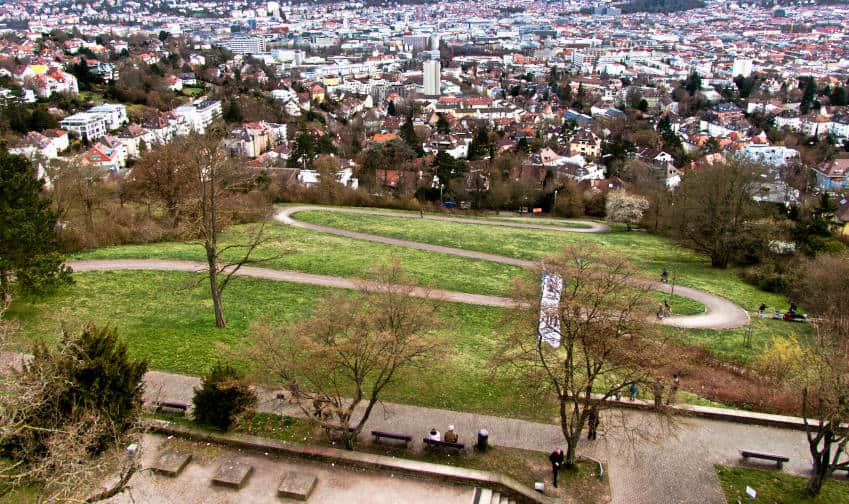 Der Bismarckturm in Stuttgart - Blick von der Aussichtsplattform in unseren Kessel