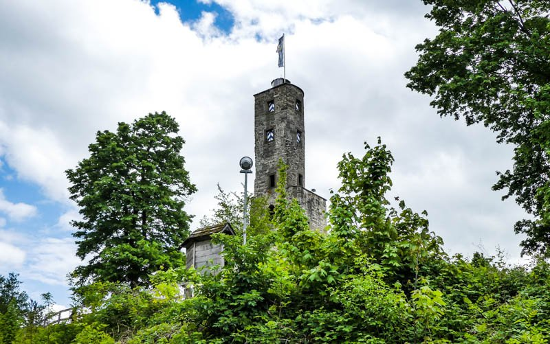Heilbronner Land - Blick auf die Burgruine Löwenstein in den Löwensteiner Bergen