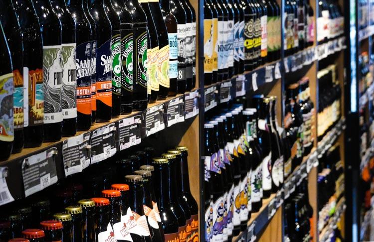 Ratsherrn-Craft-Beer-Store-in-Hamburg-Blick-ins-Regal-1-von-1