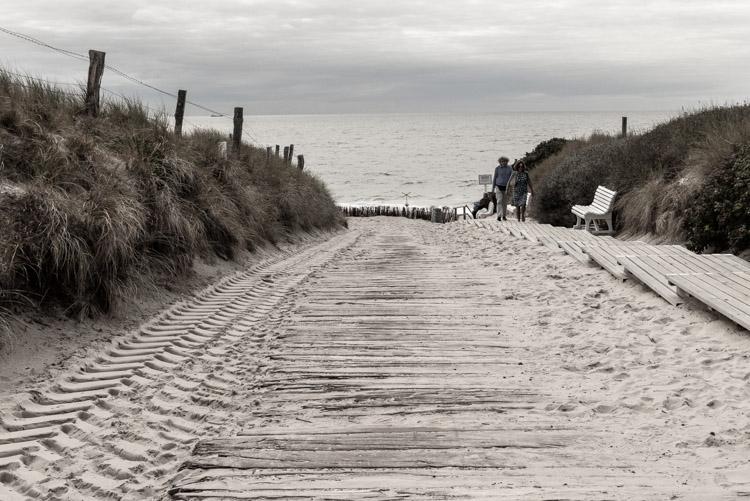 Strandpromenade Sylt - viele Wegen führen zurück zur Nordsee
