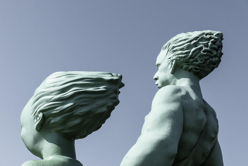 Sylt - entlang der Uferpromenade Westerland - Kunst auf Sylt - die reisenden Riesen