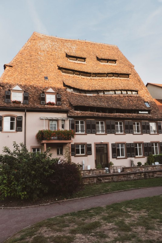 Das-Salzhaus-in-Wissembourg-mit-der-Vorderseite