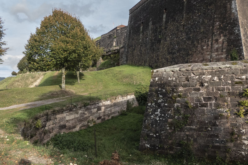 Die Zitadelle von Bitsch - Blick entlang der Festung Richtung Nordosten