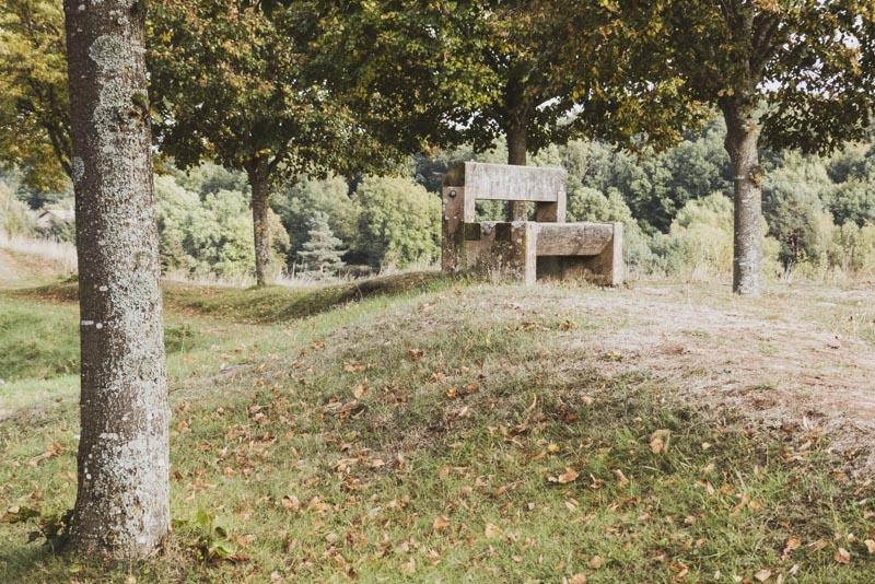 Zitadelle in Bitsch - Naturidyll mit alter Holzbank
