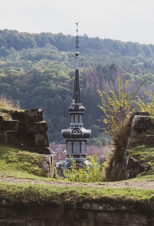 Zitadelle in Bitsch - die Kirchturmspitze der Église Sainte-Catherine