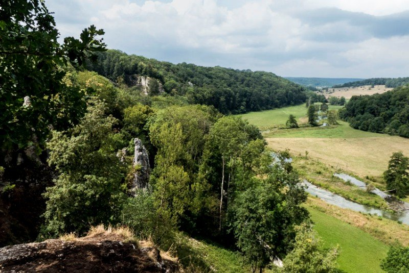 Aussichtspunkt-Ruine-Falkenstein-bei-Dettingen-Blick-ins-Eselsburger-Tal