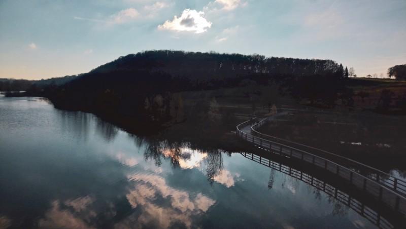 Ludwigsburg-Neckar-Biotop-Zugwiese-Blick-von-der-Aussichtsplattform