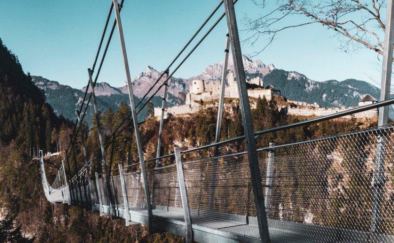 Die-Burgruine-Ehrenberg-bei-Reutte-Blick-von-der-gegenüberliegenden-Seite-1150847