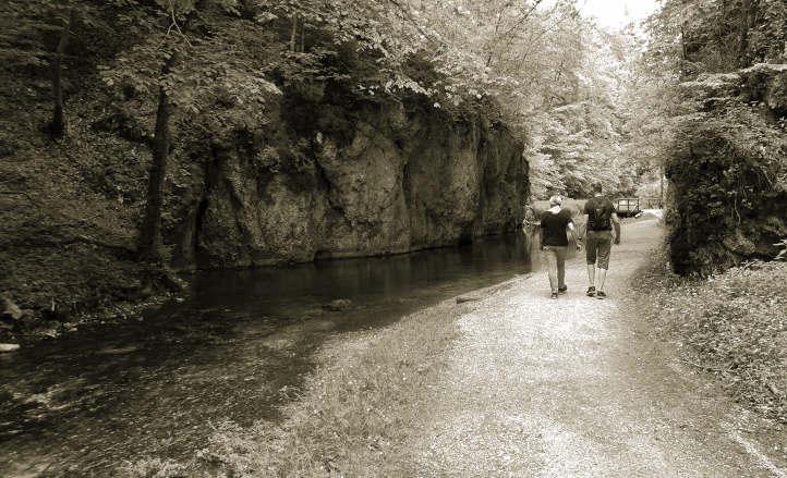 Wanderung rund um die Wimsener Höhle - zauberhaftes Glastal