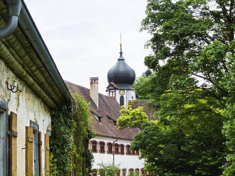 Kloster Inzigkofen - Blick von Kräutergarten Richtung Stiftsgebäude