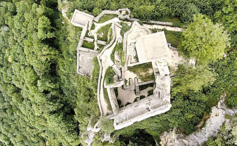 Die Ruine Reußenstein bei Neidlingen aus der Vogelperspektive