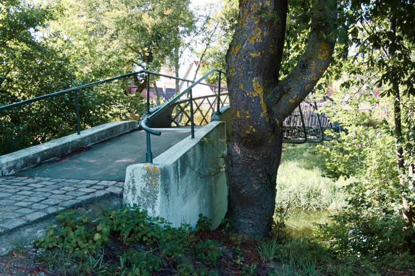 Sehenswürdigkeiten im Hegau - ob die Eisengeländerbrücke über den Donaualtarm dazu gehört - vielleicht eher nicht
