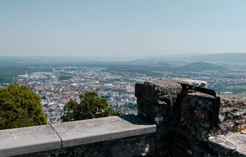 Sehenswürdigkeiten im Hegau - Blick Richtung Bodensee über Singen hinweg von der Ruine Hohentwiel