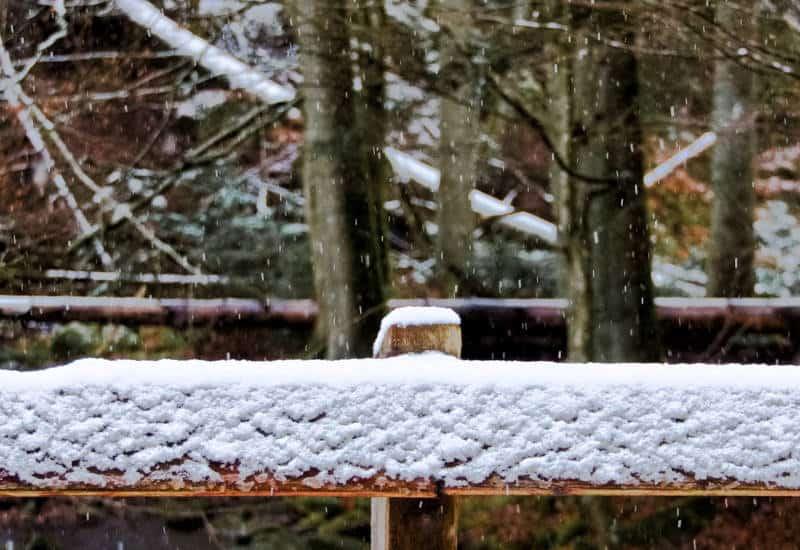 Monbachtal und Monbachschlucht bei Bad Liebenzell - Schneestimmung auf der Brücke