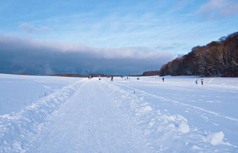 Schopflocher Moor - Menschen genießen das Wintergefühl und die Weite