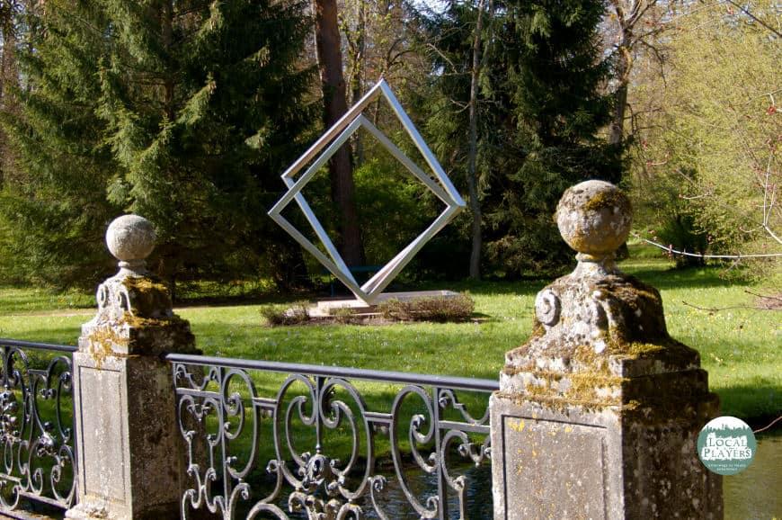Kunst im Schlosspark Donaueschingen - kleines Kontrastprogramm