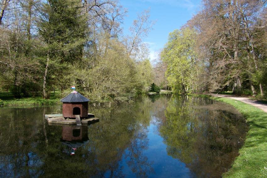 Schlosspark Donaueschingen - die Teichanlage mit der angedeuteten U-Form